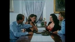 فيلم سكس ألماني كلاسيكي قديم بعنوان مزرعة الابقار أنبوب الجنس العربي